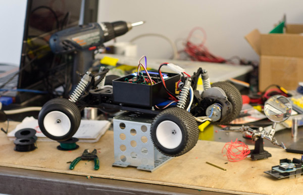 Nerds with Toys: Phone controlled R/C Car - Blog
